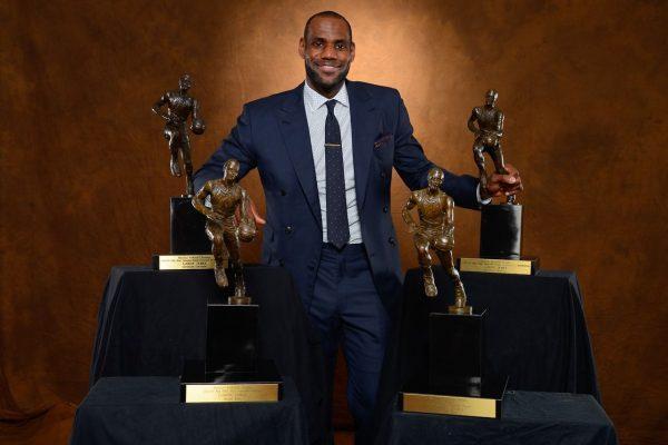 ЛЕБРОН больше не MVP? Что употребляют аналитики ESPN?